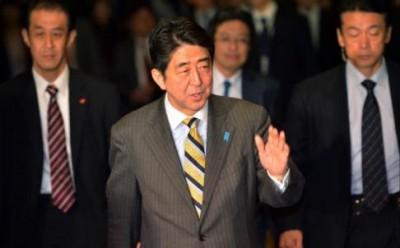 shinzo abe japanese premier, японский премьер-министр абэ